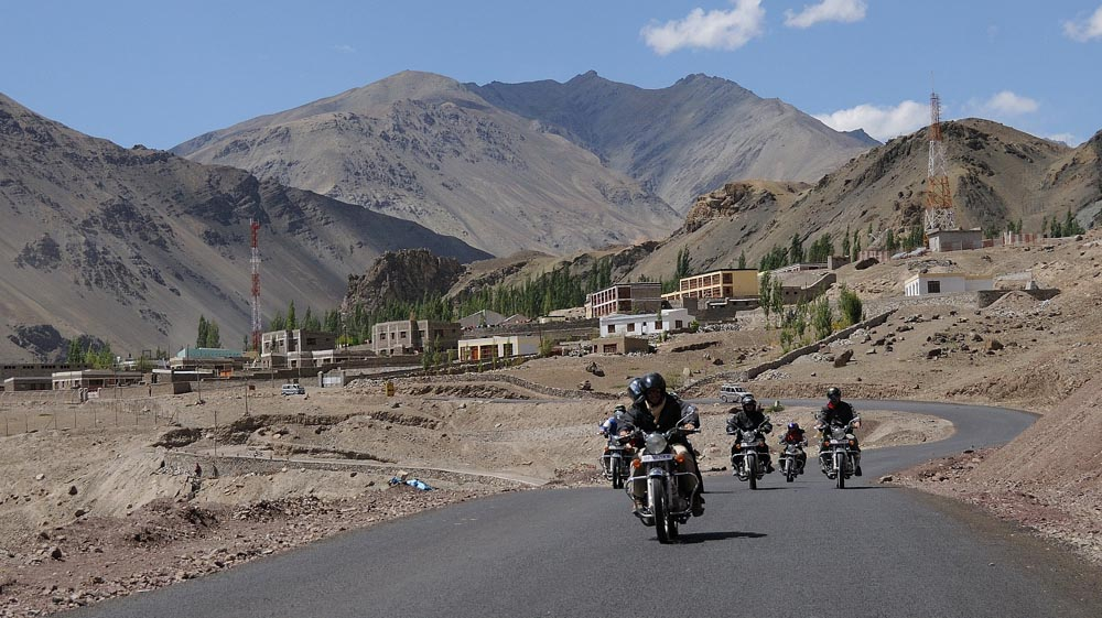 Voyage en moto en Inde himalayenne - Vallée de l'Indus en Royal Enfield