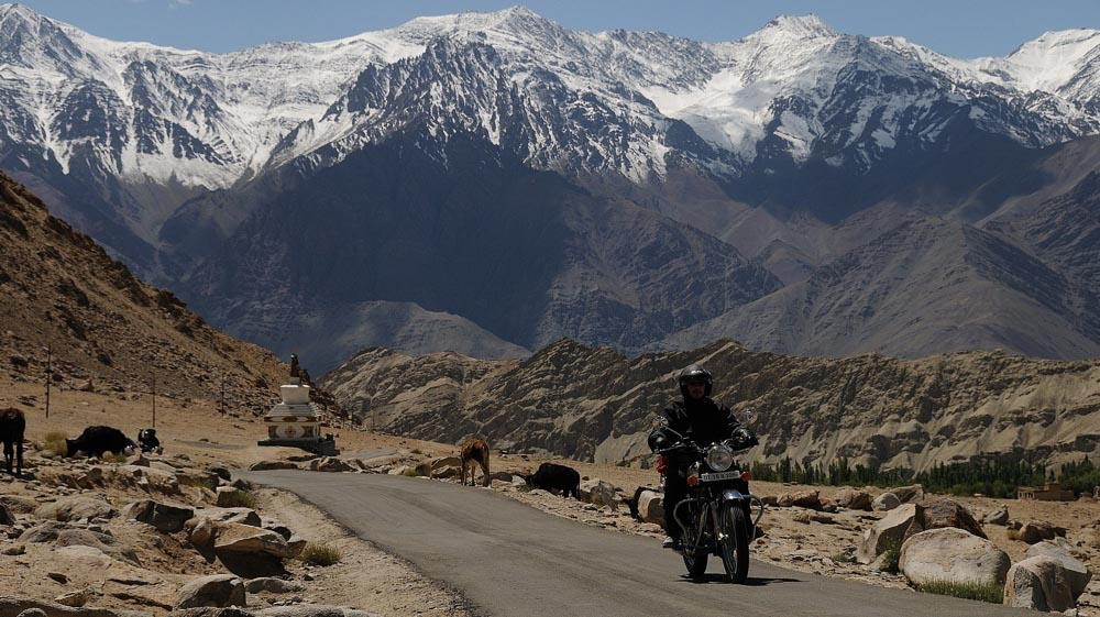 Voyage à moto dans l'Himalaya Indien - Mini trip en Royal Enfield dans la vallée de l'Indus vers Likir au Ladakh