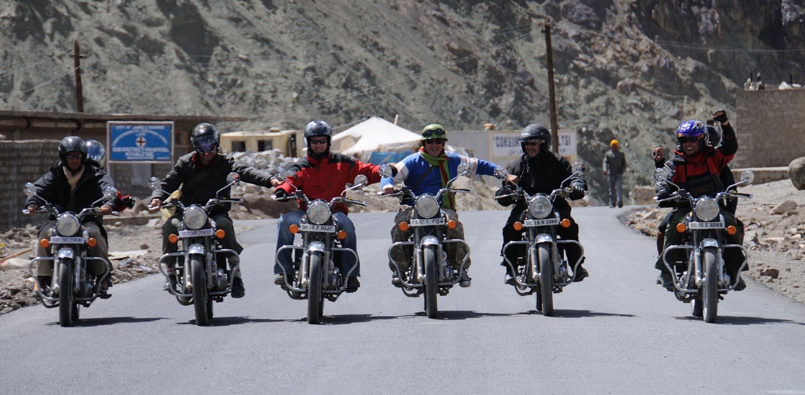Voyage à moto au Ladakh – Mini trip en Royal Enfield dans l'Himalaya
