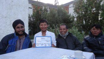 L'équipe Himalayan Bikers à Lamayuru - Voyage moto au Ladakh, Inde, Himalaya