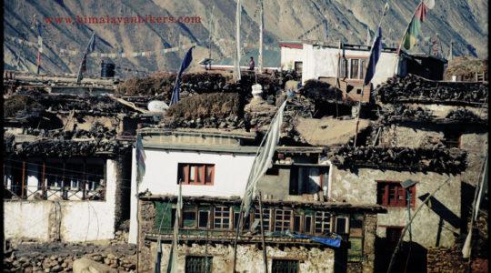 Village de Nako au Spiti - Voyage moto du Kinnaur au Spiti, Himachal pradesh, Inde, Himalaya