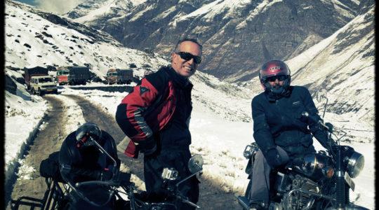 Royal Enfield route du col du Rothang La - Voyage moto du Kinnaur au Spiti, Himachal pradesh, Inde, Himalaya