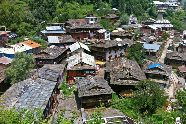 Vieux village de Manali - Voyage en moto du Kinnaur au Spiti en Royal Enfield, Inde Himalaya