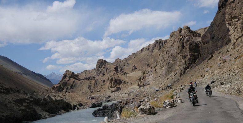 Le long de l'Indus en Royal Enfield - Voyage moto au coeur du Ladakh, Inde, Himalaya