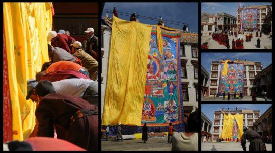 Déroulement du Thangka au monastère de Lamayuru - Voyage à moto Transhimalayenne et Ladakh, Inde, Himalaya