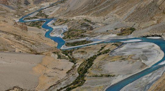 Rivière Tsarap sur la route de MAnali à Leh - Voyage à moto Transhimalayenne et Ladakh, Inde, Himalaya
