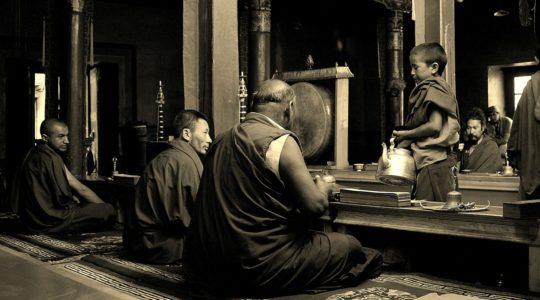 Cérémonie bouddhiste au monastère de Lamayuru - Voyage à moto Transhimalayenne et Ladakh, Inde, Himalaya