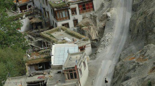 Village Ladakhi - Voyage à moto Transhimalayenne et Ladakh, Inde, Himalaya en royal Enfied
