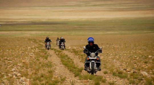 Sur les pistes du Tsokar - Voyage à moto Transhimalayenne et Ladakh, Inde, Himalaya en Royal Enfield