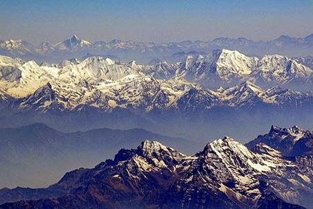 Vue aérienne de l'Himalaya au Ladakh - Voyage moto au coeur du Ladakh, Inde, Himalaya