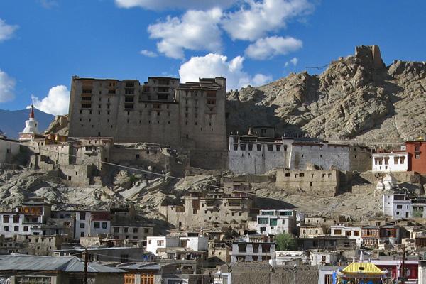 Palais Royal de la ville de Leh, capitale du Ladakh - Voyage à moto Transhimalayenne et Ladakh, Inde, Himalaya