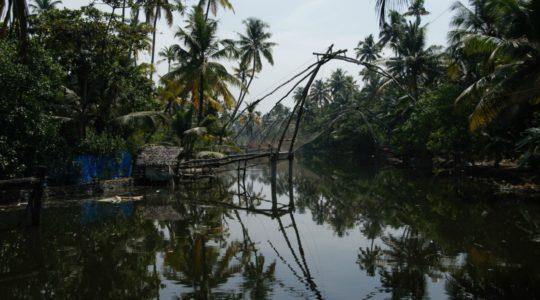 road-trip-moto-voyage-inde-sud-royal-enfield-kerala-karnataka-tamil-nadu-carrelet-peche-chinois