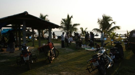 road-trip-moto-voyage-inde-sud-royal-enfield-kerala-karnataka-tamil-nadu-enchere-peche-poisson