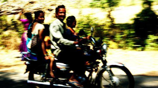 road-trip-moto-voyage-inde-sud-royal-enfield-kerala-karnataka-tamil-nadu-famille