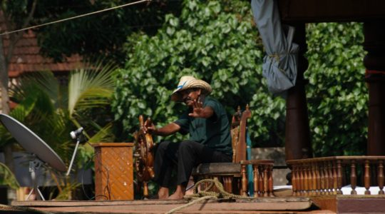 road-trip-moto-voyage-inde-sud-royal-enfield-kerala-karnataka-tamil-nadu-houseboat-backwater