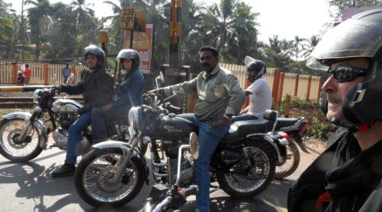 road-trip-moto-voyage-inde-sud-royal-enfield-kerala-karnataka-tamil-nadu-passage-niveau