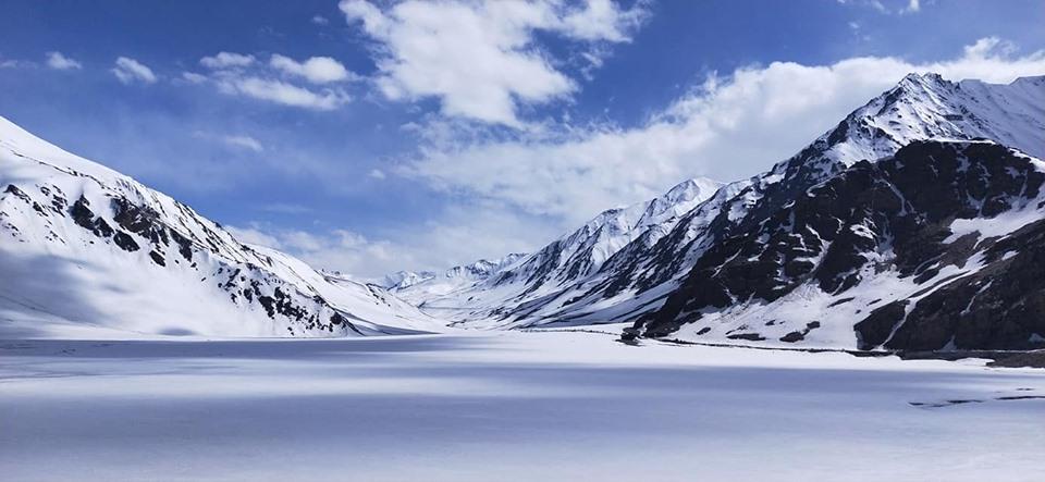 baralacha-road-trip-moto-transhimalayenne-ladakh-inde-route-manali-leh-royal-enfield-neige-1