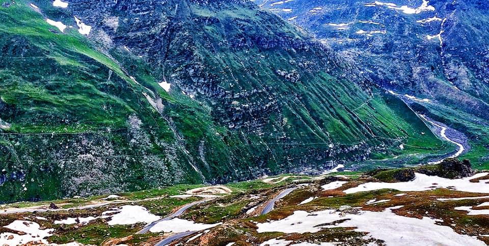 Descente vers la Lahaul - Road trip moto Transhimalayenne - Inde Ladakh