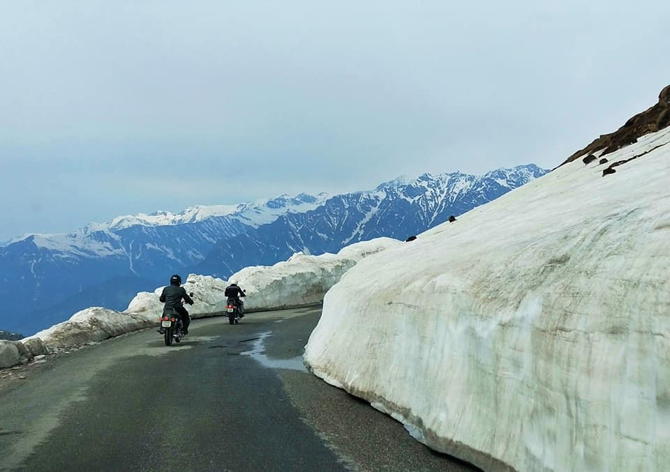 Descente du Rothang pass - Road trip moto Transhimalayenne - Inde Ladakh